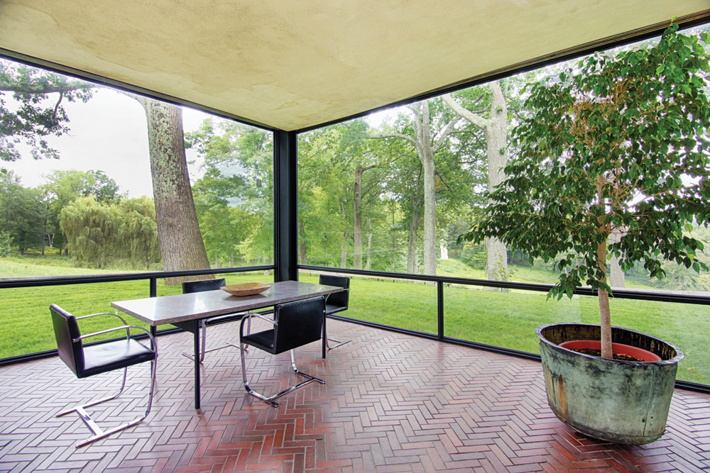 Philip johnsons glass house new canaan