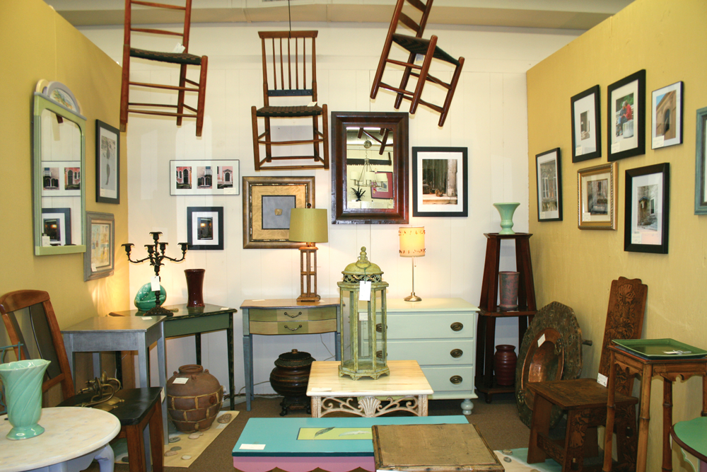 Maximus Antiques, Old Saybrook - Ink Publications