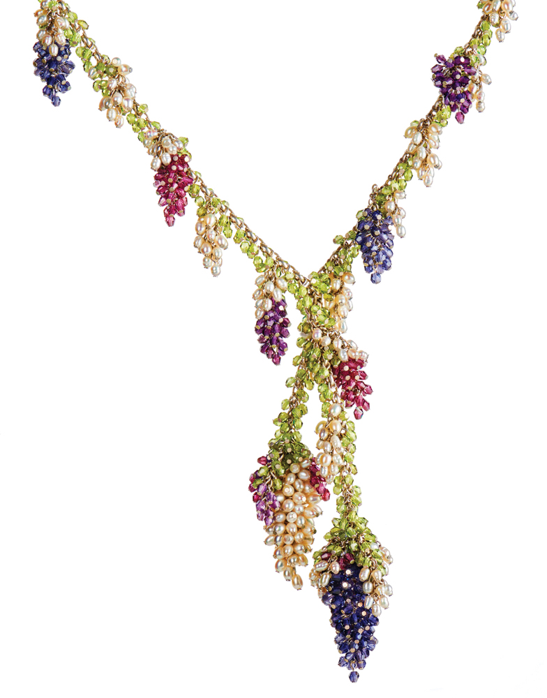 Blossoms and Berries Lariat, Photo by Edwina Stevenson